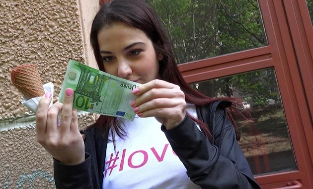 Mofos – Jessica Malone Follando por dinero