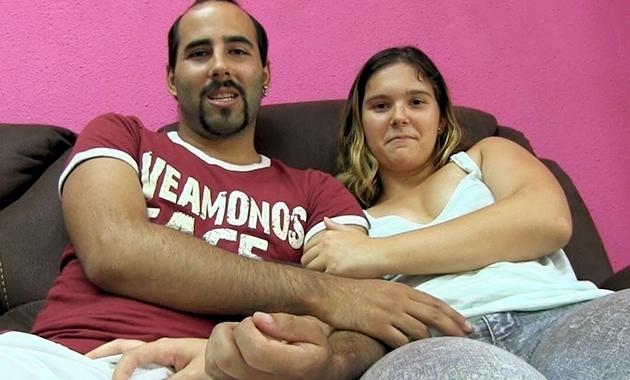 Putalocura – Carlos y Adara Creampie en el chochete