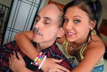 Porn Pros Ivy Winters Follando con el abuelo