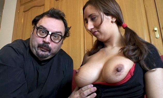 Padre Damian PUTALOCURA Nicole Ze