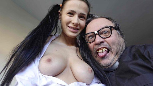 Putalocura Padre Damián - Nicole Love